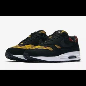 Nike Air Max 1 SE Tartan Plaid Black Red Amarillo